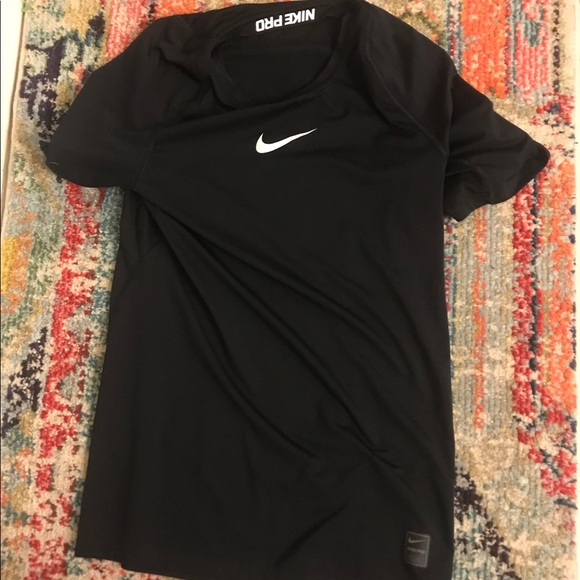 Nike Tops - Nike Pro Men's size Small